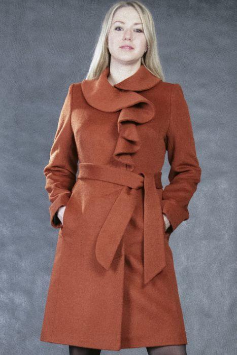 Мужское пальто - это элегантная и практичная верхняя одежда, которая подчеркнет Вашу индивидуальность или
